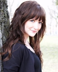 Melanie Caines Headshot